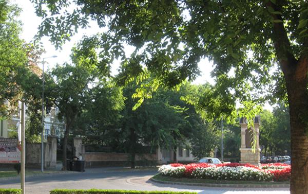 Kossuth utca - Táncsics utca körforgalom