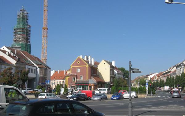 Várkerület - Kis-várkerület (2012-ben a Tűztorony felállványozva)